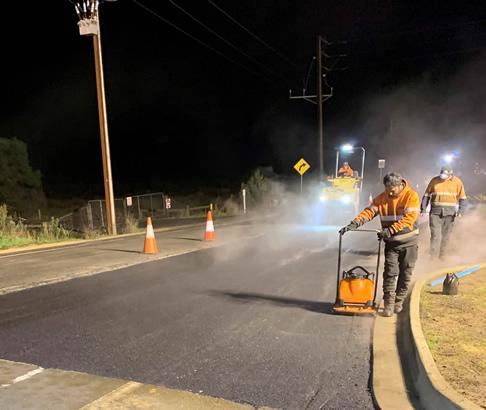 Dedicated hardworking asphalt team in Adelaide