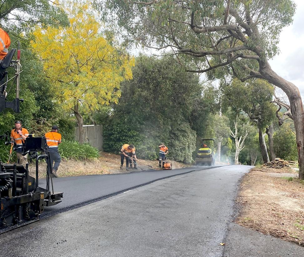 Asphalt resurfacing - country Adelaide road